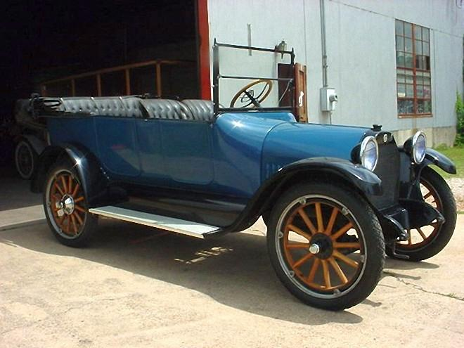 Front Right Blue 1916 Studebaker Touring Car Picture