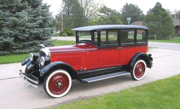 Front Left Red and Black 1927 Studebaker Commander Car Picture